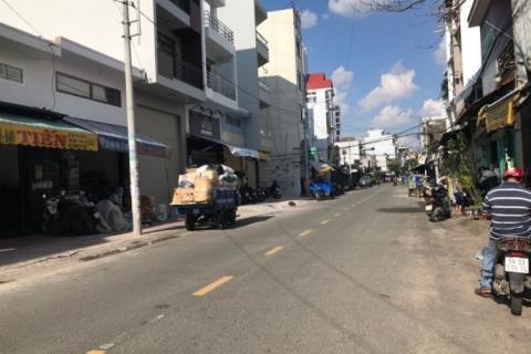 Cho thuê nhà MT Phú Thọ Hòa, 4.2x28, nhà cấp 4, khu chợ Vải rất sầm uất, 27 triệu/tháng