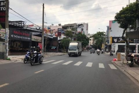 Bán nhà MT Nguyễn Cửu Đàm, 6x20, nhà đúc 3 tấm, 20 tỷ