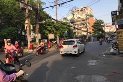 Bán nhà 2MT Nguyễn Cửu Đàm, 5x18, căn góc đang cho thuê bán cafe, 18 tỷ