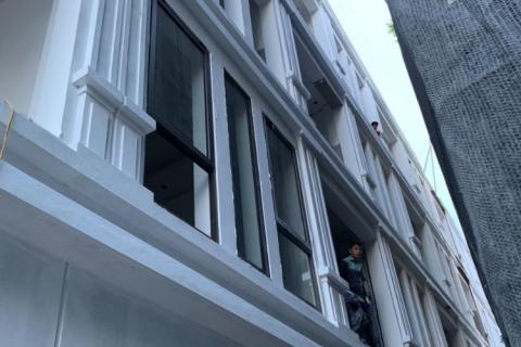 Bán gấp nhà riêng phố Thanh Am giá 2.3 tỷ/ căn.